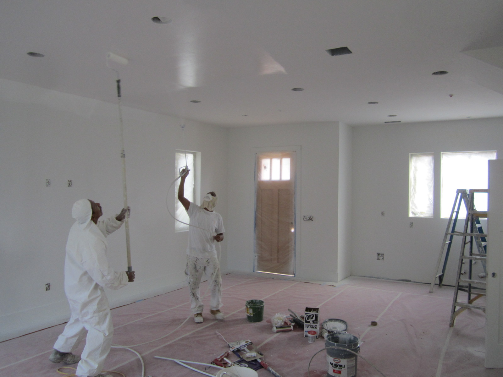 Can I Use A Paint Sprayer Inside Home Painting