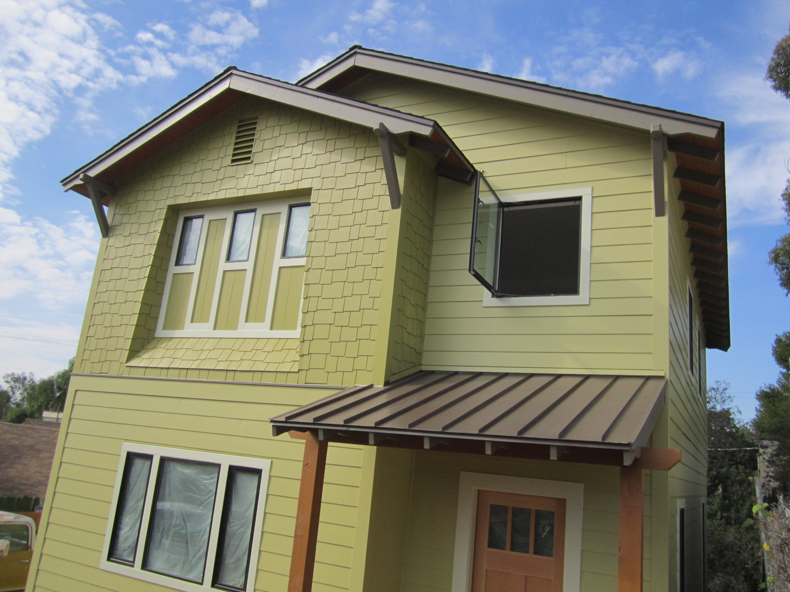 Exterior paint for Roof color