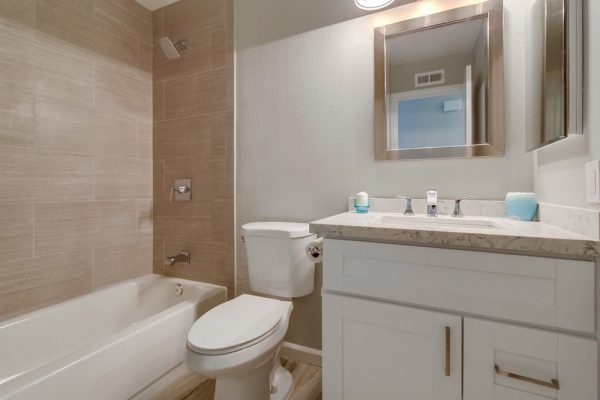 Bathroom remodel - Green Button Homes